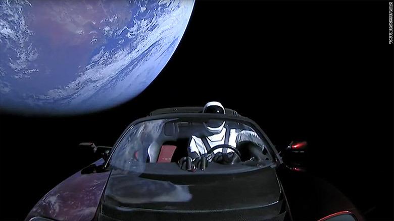 lanzamiento-space-x-tesla-auto-espacio-sol-luna1